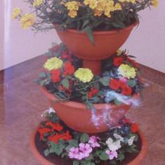 Suport flori piramida mic - Ghiveci