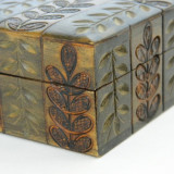 Cutie lemn, sculptata, cu frunzulite