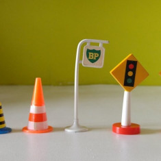 Set jucarii semne de circulatie, plastic si metal - Vehicul