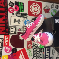 DC Trase Fuchsia-noi, in cutie, marimi disponibile: 35, 36 - Adidasi dama Dc Shoes, Culoare: Din imagine