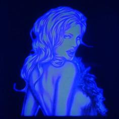Sticker transparent cu imagine uv invizibila fluorescenta