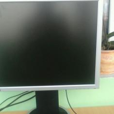 Desktop cu monitor, tastatura maus - Sisteme desktop cu monitor Asus, Intel Pentium 4