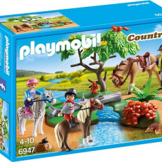 Plimbare La Tara Cu Calutii Playmobil