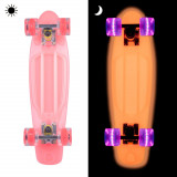 Pennyboard fosforescent WORKER Lumy 22'' - Skateboard
