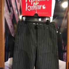 Pantaloni scurti Vans off the Wall- noi, marimi disponibile: 30 - Bermude barbati Vans, Culoare: Din imagine