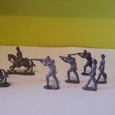 Lot 8 figurine soldati plumb, vechi, vintage, colectie, decor, diorama, cca 5cm