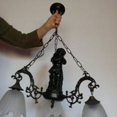 Candelabru deosebit, metal, greu, ornament fata cu porumbel, 3 brate cu abajur