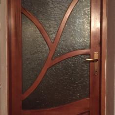Usi lemn masiv!