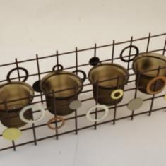 Sfesnic metal cu cercuri si 4 boluri