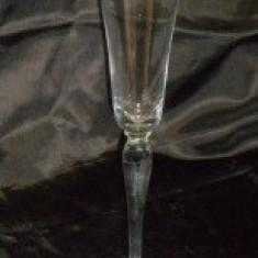 Pahar sampanie H = 27 cm ɸ = 6, 5 cm