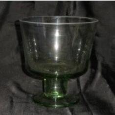 Cupa sticla cu talpa H = 16 cm ɸ = 15 cm - Pahare