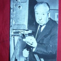 Ilustrata - Alfred Hitchcock si prima lui camera de filmat - Carte postala tematica, Necirculata, Printata