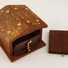 Suport pahare lemn rosu casuta