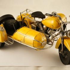 Motocicleta mare metal cu atas