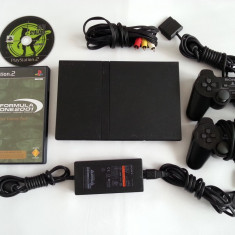 PlayStation 2 Sony slim + maneta + 2 jocuri + cabluri originale + BONUS inca o maneta