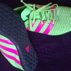 Vand pantofi fotbal mar 36-37 marca ADIDAS - Ghete fotbal