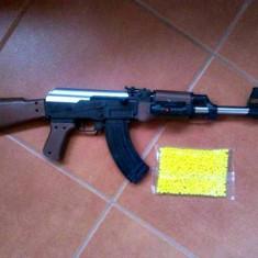 PUSCA AIRSOFT REPLIKA AK47 CALIBRU 6MM,INCARCATOR,TEAVA METAL+1000 BILE BONUS.