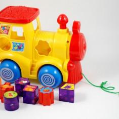 Trenulet locomotiva tras de sfoara (forme geometrice)- Muzica si lumini!