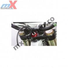 Piulita ghidon Zeta Suzuki RM125+250 AN 04- /24x32 / culoare rosu - Piulita ghidon Moto