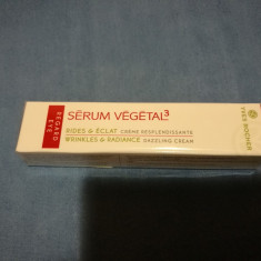 Crema anti rid pentru ochi Serum vegetal Yves Rocher - Crema conturul ochilor