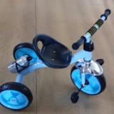 Tricicleta copii cu sticla de  apa in spate