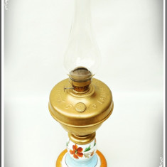LAMPĂ VECHE PE PETROL / GAZ LAMPANT - METAL ȘI PORȚELAN - LAMPAGYAR BUDAPEST!, Lampi
