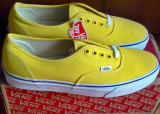 Tenisi Vans Authentic 44EU -produs original- IN STOC, 44, Galben, Textil