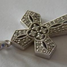 Cruciulita argint cu zirconiu 1998 - Crucifix