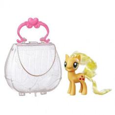 Figurina My Little Pony Applejack in Gentuta de Gala - Figurina Povesti Hasbro