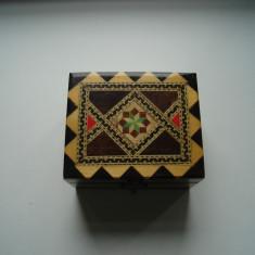 Cutiuta de bijuterii din lemn - Cutie Bijuterii