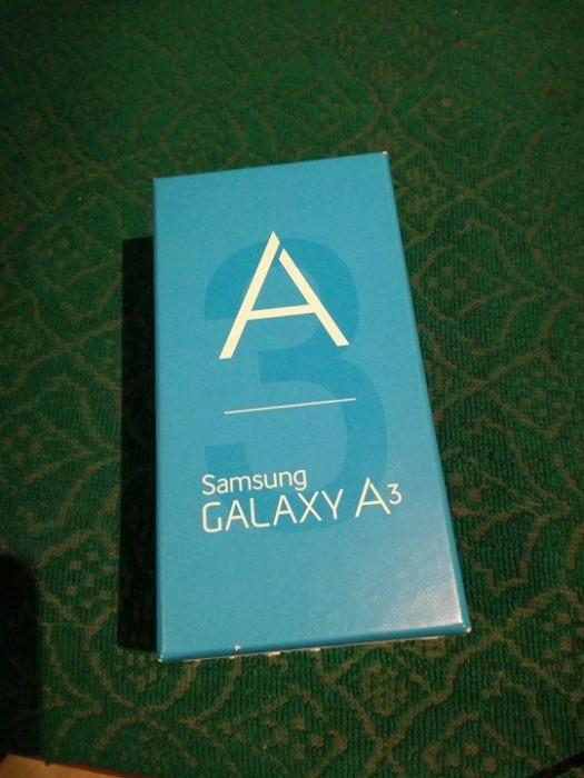 Samsung Galaxy A3 Dual SIM foto mare