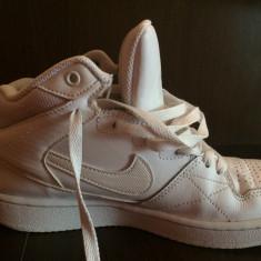 Teniși Nike