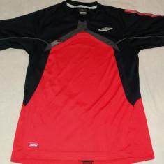 Tricou fotbal Umbro original marimea S - Set echipament fotbal Umbro, Marime: 27