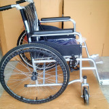Scaun cu rotile pliabil. Pret lichidare stoc
