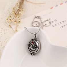 Lantic/Medalion - Elena Gilbert - Vampire Diaries/Jurnalele Vampirilor- Argintiu - Lantisor fashion