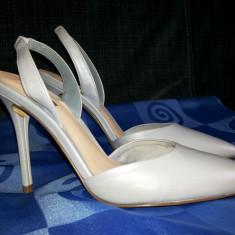 Pantofi de dama, GUESS PUMPS, din piele, marime 36, culoare bleu-ciel - Pantof dama, Cu toc