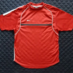Tricou Nike Dri Fit; marime M, vezi dimensiuni exacte; impecabil, ca nou - Tricou barbati, Marime: M, Culoare: Din imagine, Maneca scurta