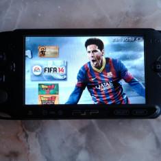 PSP Sony slim, E1004, ca nou, incarcator, 50 jocuri, 24 gb, modat