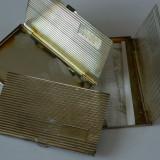 Trei suporturi pentru cartile de vizita, argintate, Cutie