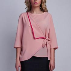 Bluză model parte peste parte