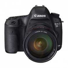 Kit Body Canon 5D Mark III + Obiectiv Canon EF 24-105mm f/4 L IS USM + Accesorii