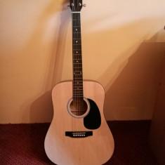 Chitara acustica Fender Squier SA-105 (+husa, 6 pene si capodastru)