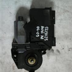 Motoras macara dreapta fata Audi A8 An 2004-2009 cod 4E1959802 - Motoras macara geam