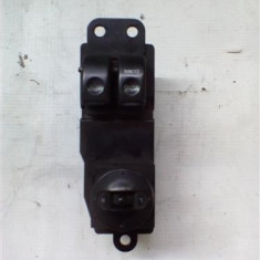 Butoane comada geam + reglare oglinzi stanga fata Hyundai H1 An 2004-2007 cod 93570-4A000