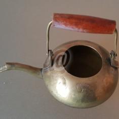 Ceainic mic, decorativ, gravat, maner lemn, 9 cm