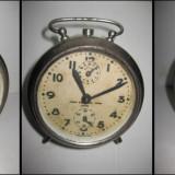 Ceas vechi masa PRECIZIA Arad metal. Perioada anii 1930-40, nefunctional.