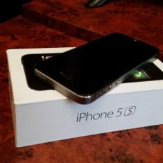 iPhone 5S Apple gri, 16 GB, la cutie, stare excelenta, folie de sticla, codat orange