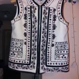 2 bucati Costum popular, ie pantaloni largi, vesta, traistuta - Costum populare Bumbac100, Marime: 50, Culoare: Alb