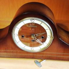 Ceas de semineu Westminster
