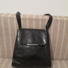 geanta dama neagra cu curea de umar